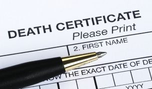 "相続税申告で""死亡診断書""の費用は債務控除可能"
