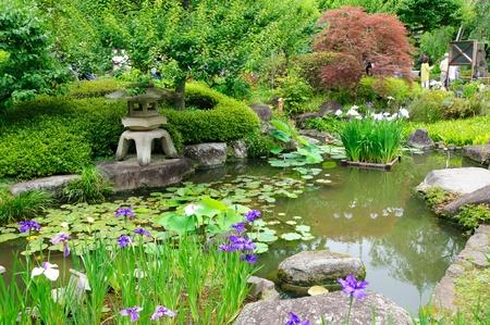 相続税の申告において庭園設備はどう評価する?