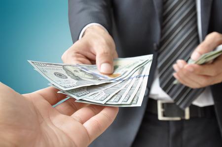 生命保険金を代償金として支払うと贈与税の課税リスクがある