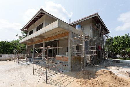 改正により建替中の住宅用地を固定資産税軽減特例の適用時期を明確化